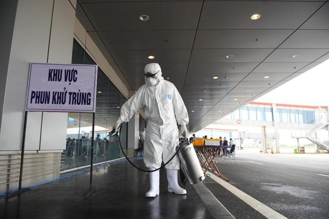 Sân bay Vân Đồn đón thêm hơn 500 người Việt trở về từ Anh, Đức - 6