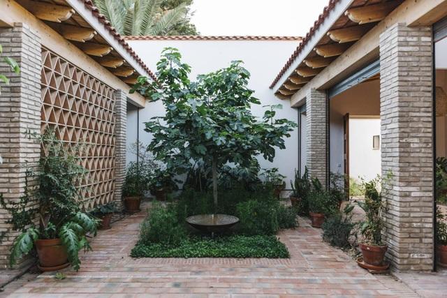 Ngôi nhà ở Tây Ban Nha nhưng lại mang đậm phong cách thiết kế Việt - 4
