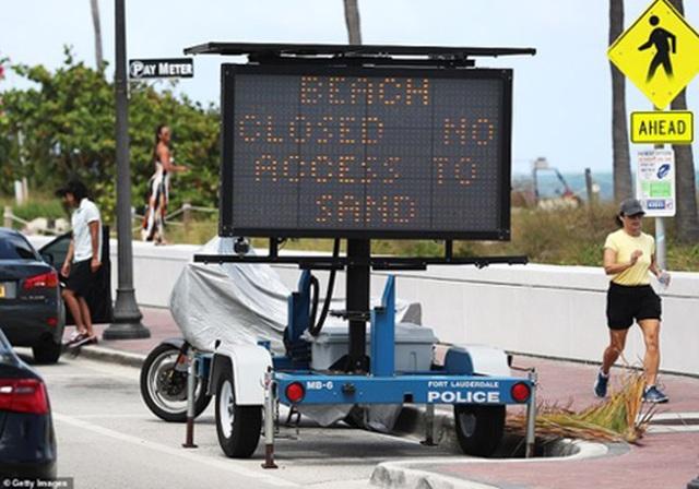 Đóng cửa những bãi biển nổi tiếng do tập trung đông người - 3