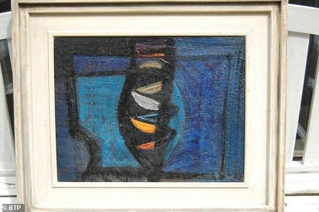 Bức tranh trị giá hàng chục ngàn bảng Anh bị đánh cắp trên tàu - 1