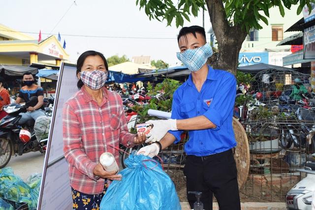 Đổi rác thải nhựa lấy sản phẩm phòng chống, dịch Covid-19 - 1