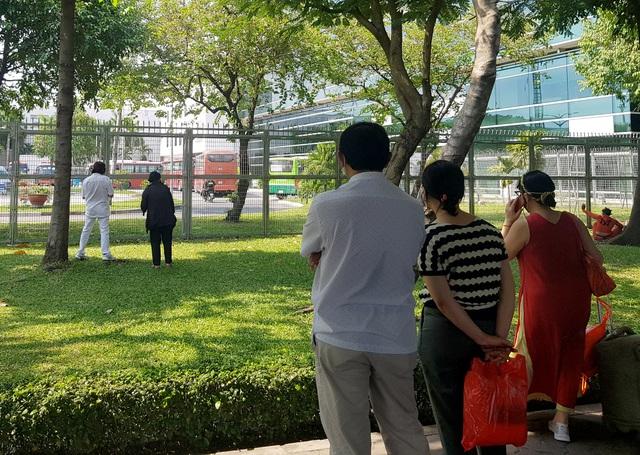 Sân bay Tân Sơn Nhất vắng ngắt sau lệnh dừng nhập cảnh - 12