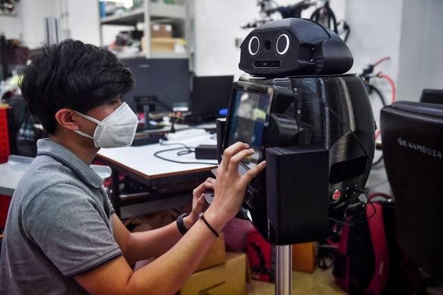 Thái Lan dùng robot để khám chữa cho bệnh nhân Covid-19 - 5