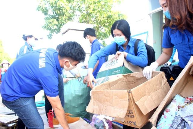 Đổi rác thải nhựa lấy sản phẩm phòng chống, dịch Covid-19 - 4