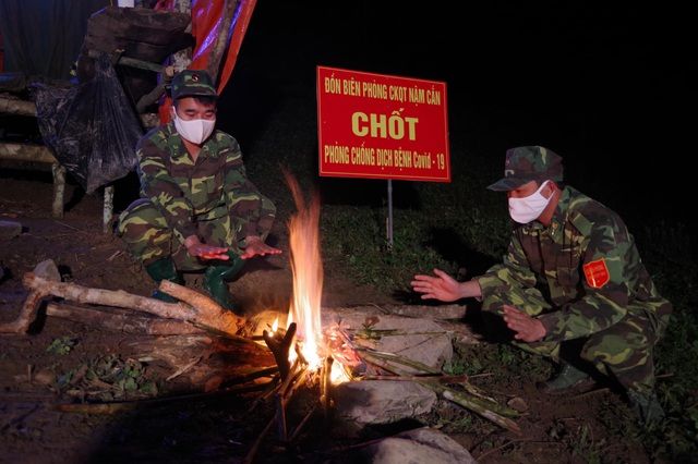 Chiến sỹ biên phòng Nghệ An ngày đêm chốt chặn đường mòn, lối mở biên giới - 19