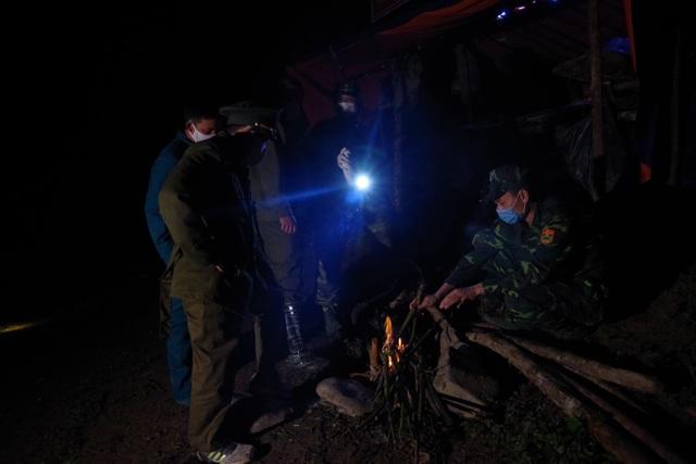 Chiến sỹ biên phòng Nghệ An ngày đêm chốt chặn đường mòn, lối mở biên giới - 20