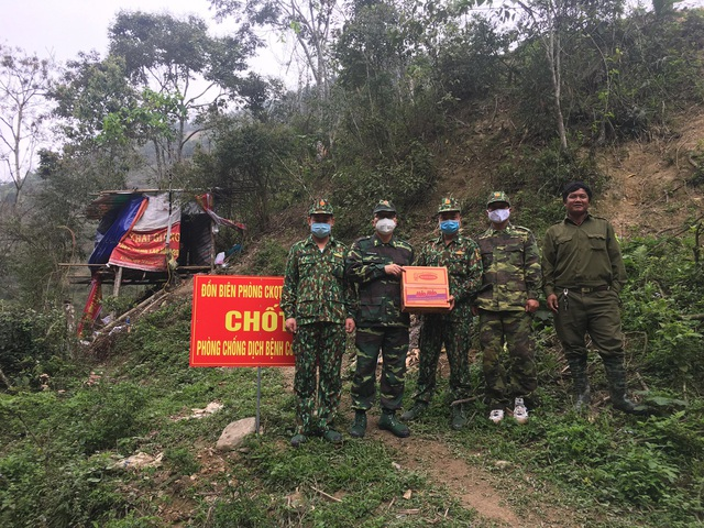 Chiến sỹ biên phòng Nghệ An ngày đêm chốt chặn đường mòn, lối mở biên giới - 14