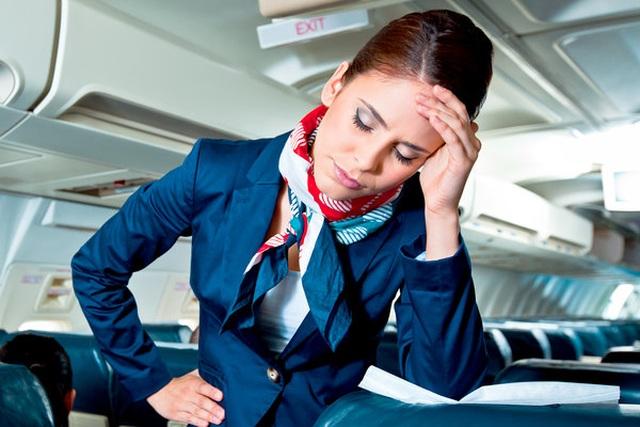 Chuyện tiếp viên hàng không: Làm không lương, lo lây bệnh cho gia đình - 1