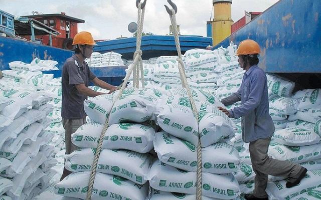 """Xuất 400.000 tấn gạo: """"Mở tờ khai lúc nửa đêm, doanh nghiệp ấm ức - 1"""