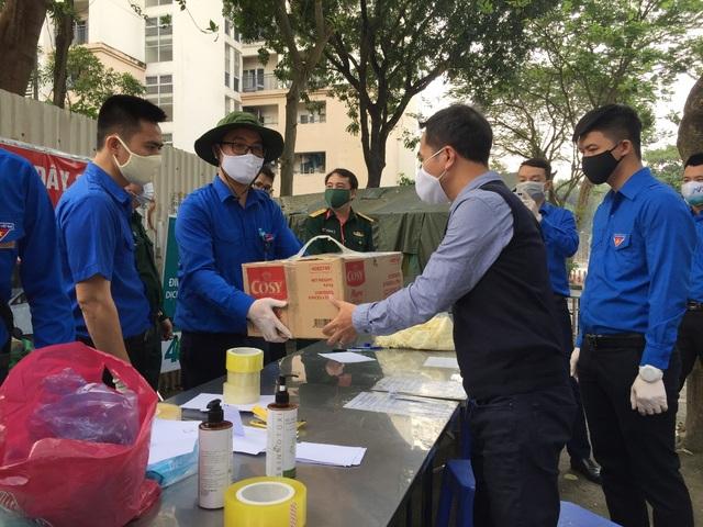Thanh niên Hà Nội tích cực hỗ trợ khu cách ly, lắp 100 bồn rửa tay miễn phí - 3
