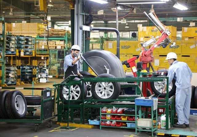 Lo đóng cửa nhà máy, ô tô xin giảm 50% thuế phí cho khách mua xe - 1