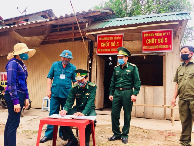 Chiến sỹ biên phòng Nghệ An ngày đêm chốt chặn đường mòn, lối mở biên giới - 4