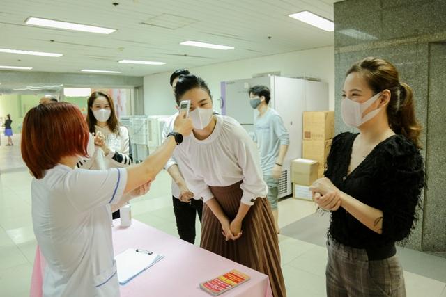 Hiến máu lần 7 giữa đại dịch, Hoa hậu Ngọc Hân kể câu chuyện rớt nước mắt - 4