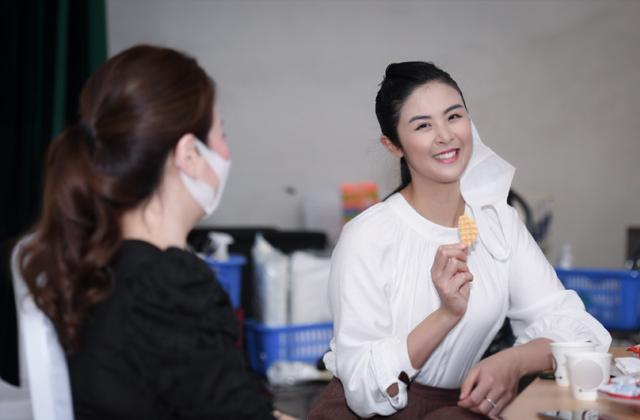 Hiến máu lần 7 giữa đại dịch, Hoa hậu Ngọc Hân kể câu chuyện rớt nước mắt - 8