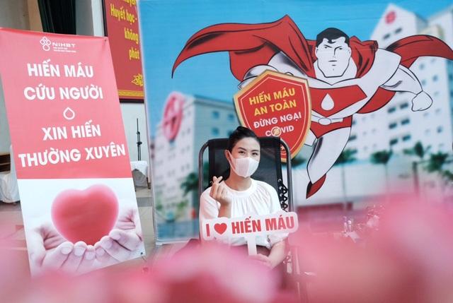Hiến máu lần 7 giữa đại dịch, Hoa hậu Ngọc Hân kể câu chuyện rớt nước mắt - 7