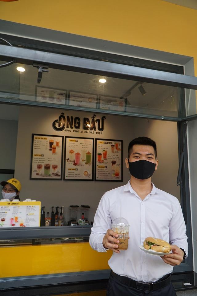 Coffee Ông Bầu hưởng ứng Ngày Bánh mì được Từ điển OxFord vinh danh - 2