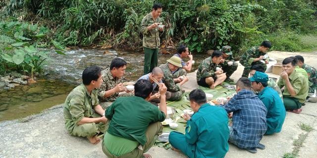 Chiến sỹ biên phòng Nghệ An ngày đêm chốt chặn đường mòn, lối mở biên giới - 11