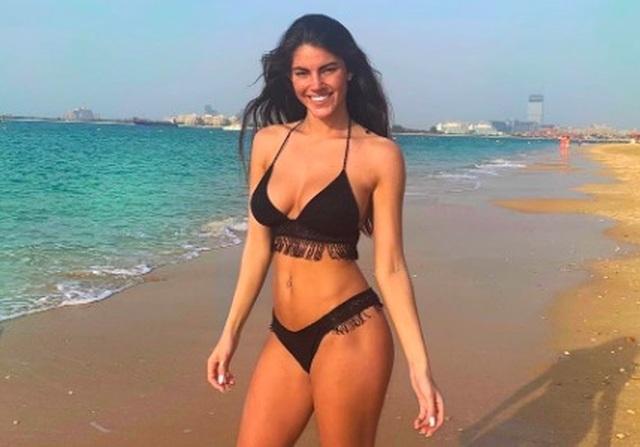Hoa hậu Newcastle bốc lửa đi tập thể dục - 5