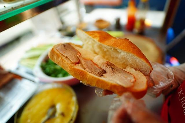Bánh mì Sài Gòn, món ăn vua thời Covid-19 - 3
