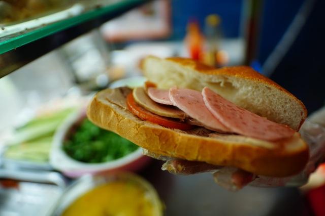 Bánh mì Sài Gòn, món ăn vua thời Covid-19 - 4