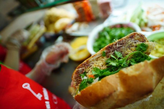Bánh mì Sài Gòn, món ăn vua thời Covid-19 - 5