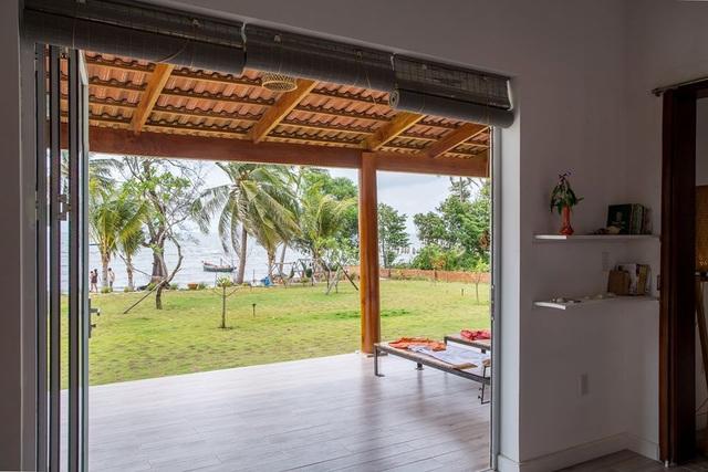 """Ngôi nhà """"đa văn hóa"""" tại Phú Quốc, gia chủ có thể ngắm bình minh mỗi ngày - 3"""