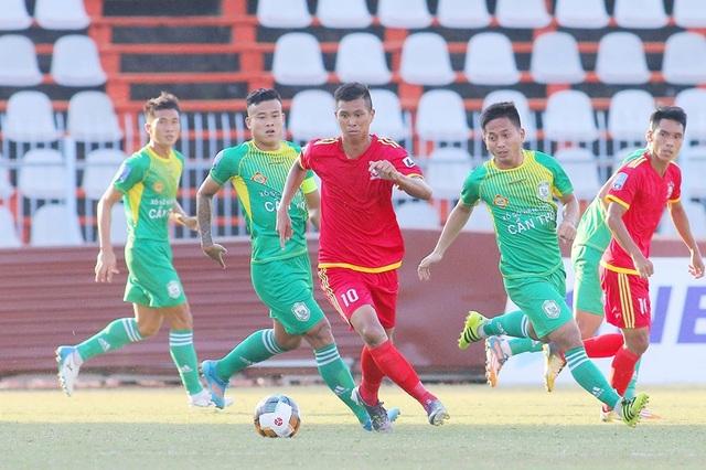 Cầu thủ Việt Nam đầu tiên phải cách ly vì dịch Covid-19 - 1