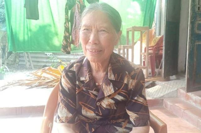 Cụ bà 78 tuổi đạp xe lên xã xin ủng hộ 1 triệu đồng chống dịch Covid - 1