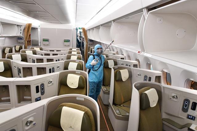 Hãng hàng không duy nhất khử trùng toàn bộ máy bay khai thác trong ngày - 1