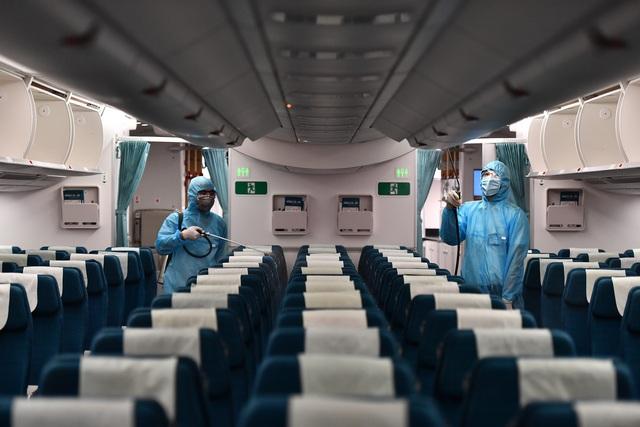 Hãng hàng không duy nhất khử trùng toàn bộ máy bay khai thác trong ngày - 3