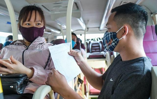 Hà Nội: Đi xe khách khai báo y tế ra sao? - 8