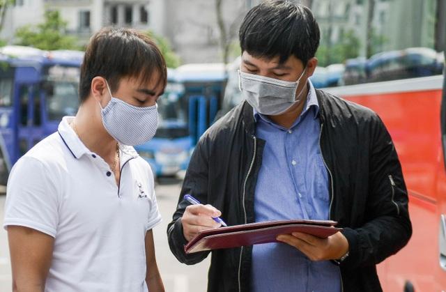 Hà Nội: Đi xe khách khai báo y tế ra sao? - 1