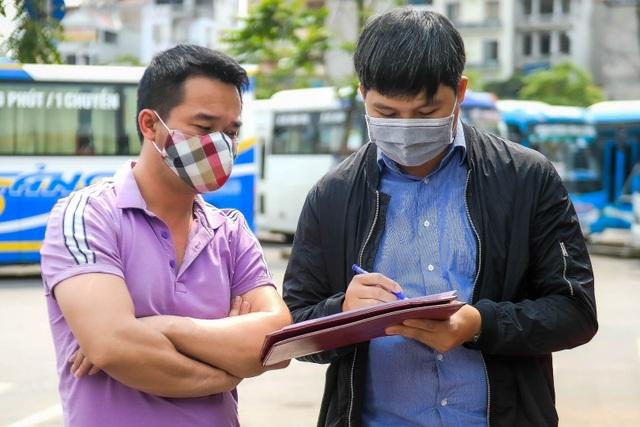 Hà Nội: Đi xe khách khai báo y tế ra sao? - 6