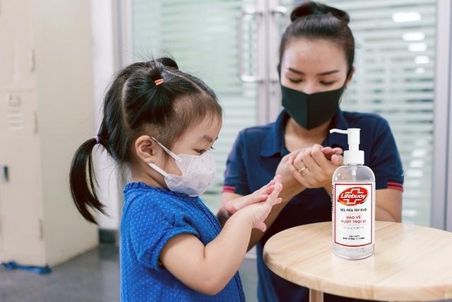 """Đau đầu tìm gel rửa tay khô chất lượng giữa thị trường """"thượng vàng hạ cám"""" - 2"""