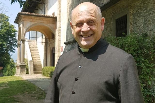 Linh mục Italia qua đời sau khi nhường máy thở  - 1