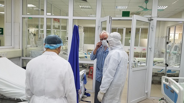Bên trong phòng điều trị đặc biệt Covid-19 tại Bệnh viện Bệnh nhiệt đới TW - 6