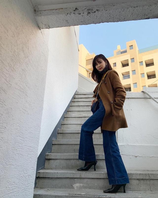 """Vợ Jang Dong Gun lần đầu xuất hiện sau scandal """"tìm gái gọi"""" của chồng - 2"""