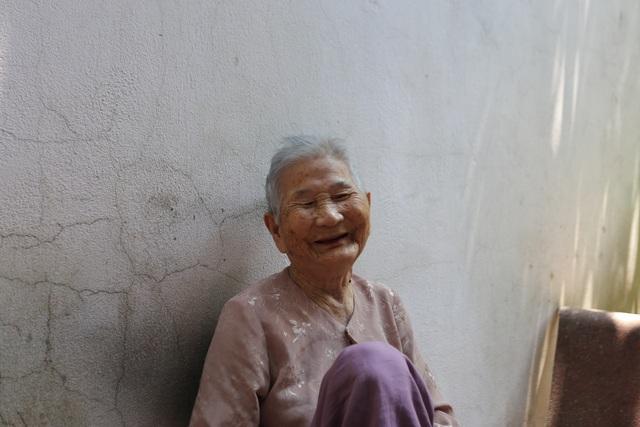 Mẹ Việt Nam Anh hùng ủng hộ 5 triệu đồng chống dịch Covid-19 - 3