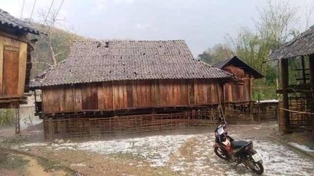 Mưa đá ở các tỉnh phía Bắc làm gần 3.000 ngôi nhà hư hỏng - 3