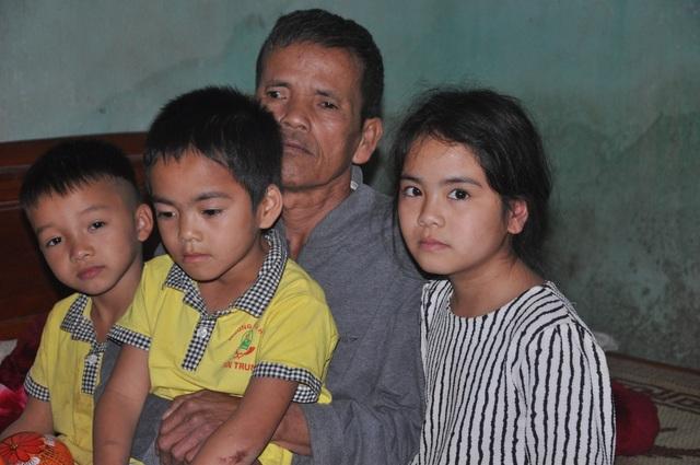 Xót thương 3 đứa trẻ thèm khát được nhìn thấy bố mẹ trở về... - 5