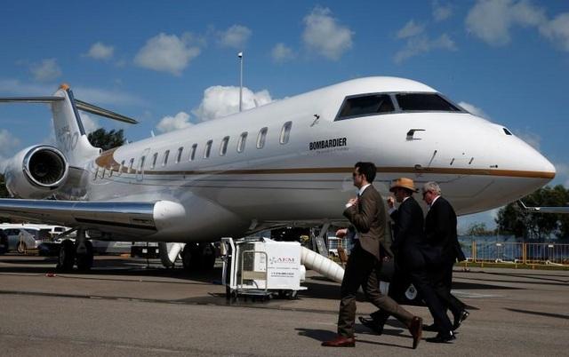 Nhà giàu Trung Quốc bỏ 20.000 USD thuê máy bay đưa con rời Mỹ tránh dịch - 1