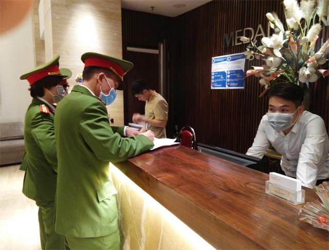 Bộ Công an: Gần 4.400 người nhập cảnh vào Hà Nội trong 18 ngày - 2