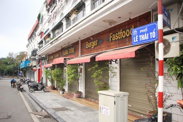 Công an hối hả đi vận động, hàng loạt quán cà phê ở Hà Nội đóng cửa - 9