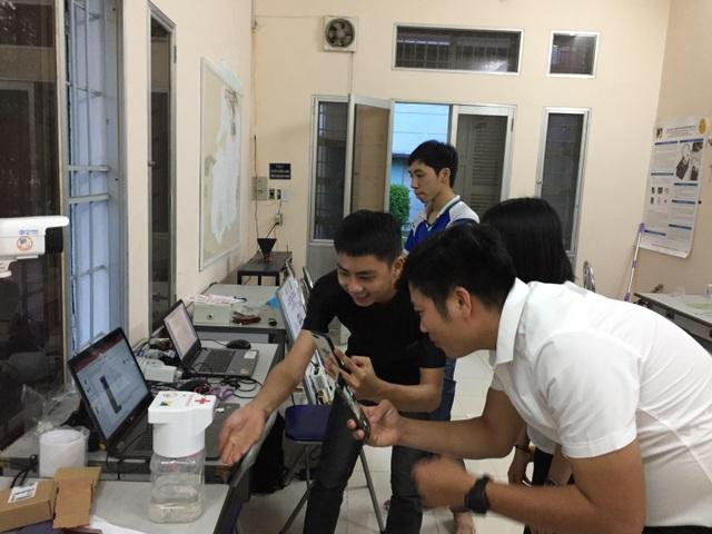 Sinh viên ĐH Bách khoa Đà Nẵng thử nghiệm máy rửa tay tự động ở bệnh viện - 2