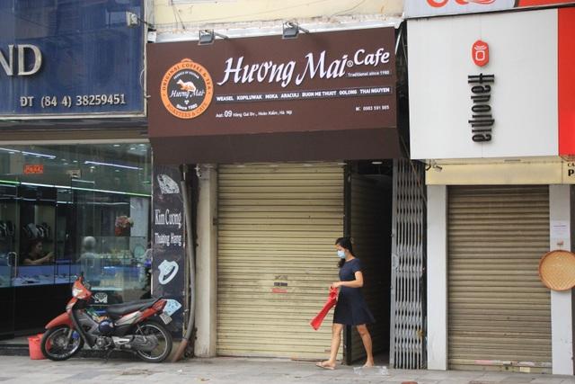 Công an hối hả đi vận động, hàng loạt quán cà phê ở Hà Nội đóng cửa - 12