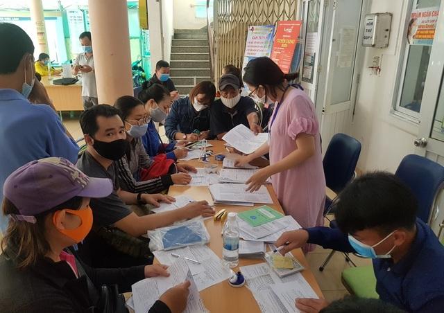 Khánh Hòa: Phát sinh hàng ngàn người đăng ký hưởng trợ cấp thất nghiệp - 1