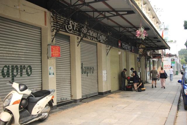 Công an hối hả đi vận động, hàng loạt quán cà phê ở Hà Nội đóng cửa - 14