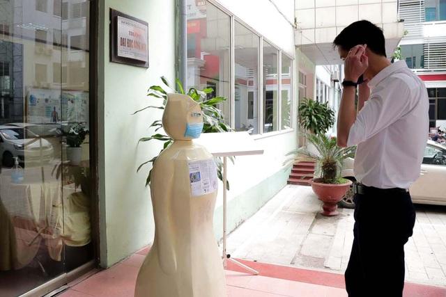 ĐH Công nghệ chế tạo robot nhắc đeo khẩu trang chống dịch Covid-19 - 3