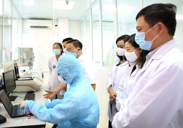 199 người liên quan đến Bệnh viện Bạch Mai âm tính với virus SARS-CoV-2 - 1
