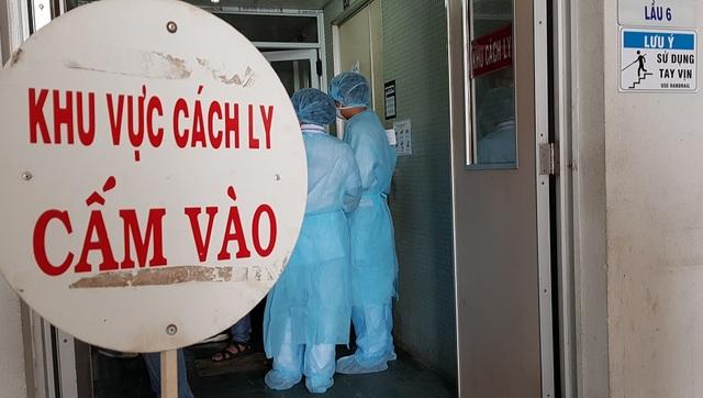 TPHCM: Hơn 10 nghìn người đang phải cách ly vì dịch Covid-19 - 1